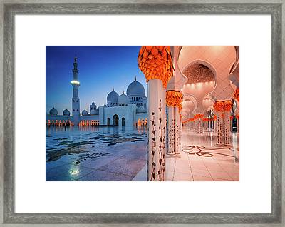 Night View At Sheikh Zayed Grand Mosque, Abu Dhabi, United Arab Emirates Framed Print