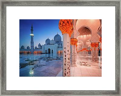 Night View At Sheikh Zayed Grand Mosque, Abu Dhabi, United Arab Emirates Framed Print