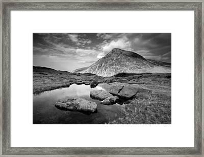 Pen Yr Ole Wen From Cwm Idwal Framed Print