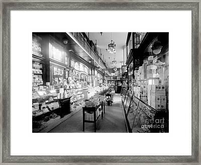 Pennsylvania Station, Nyc, 1910-20 Framed Print