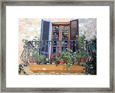 Framed Print featuring the photograph Pienza Balcony by Pat Purdy