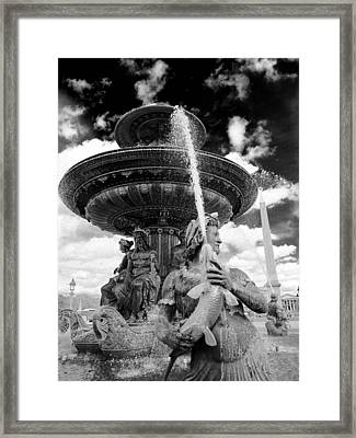 Place De La Concorde Fountain Framed Print by Heidi Hermes