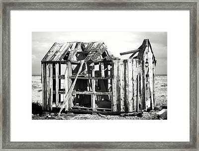 Projekt Desolate  Framed Print by Stuart Ellesmere