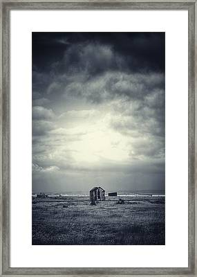 Projekt Desolate The Distance  Framed Print by Stuart Ellesmere