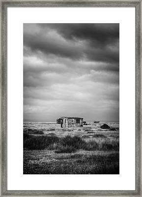 Projekt Desolate The Range  Framed Print by Stuart Ellesmere