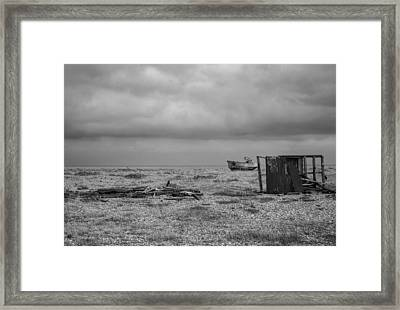 Projekt Desolate The Triple Framed Print by Stuart Ellesmere