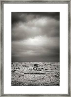 Projekt Desolate Workspace  Framed Print by Stuart Ellesmere