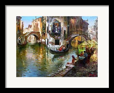 Gondolier Framed Prints