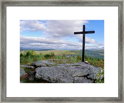 Round Top Mountain  Framed Print by Wayne Toutaint