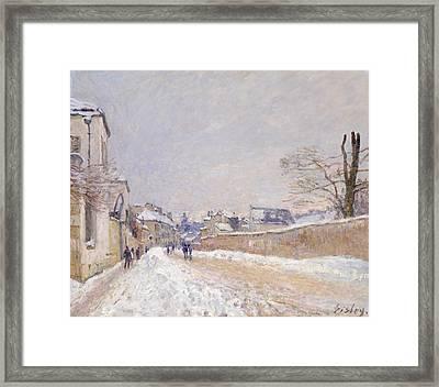 Rue Eugene Moussoir At Moret - Winter Framed Print by Alfred Sisley