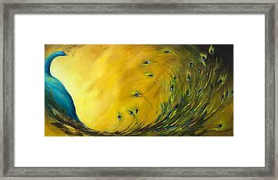 Show-off 2 Horizontal Peacock Framed Print