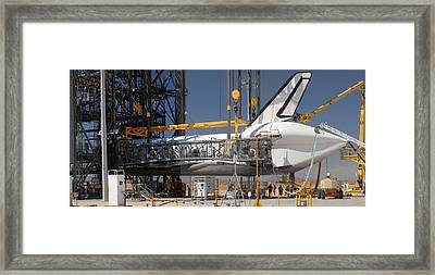 Space Shuttle Discovery At Edwards Afb September 17 2009 Framed Print by Brian Lockett