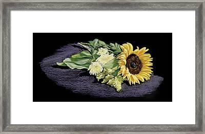 Sunflower Framed Print by Vanda Luddy