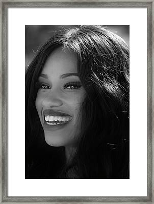 The Smile Framed Print by Robert Ullmann