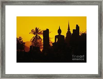 Wat Mahathat Framed Print by Gloria & Richard Maschmeyer - Printscapes