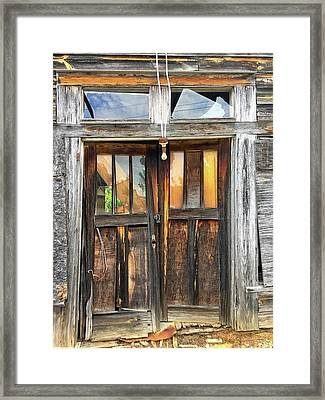 Welcome Framed Print by Susan Leggett
