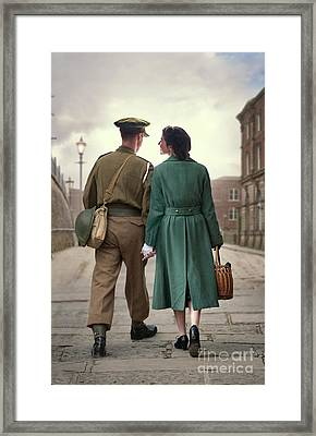 1940s Couple Framed Print by Lee Avison