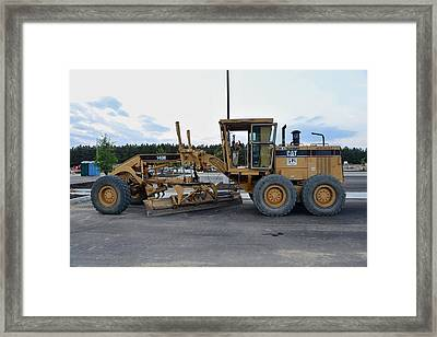 15 - Caterpillar Motor Grader - Cat Earth Grader - Construction Equipment Series Framed Print by Matt Plyler