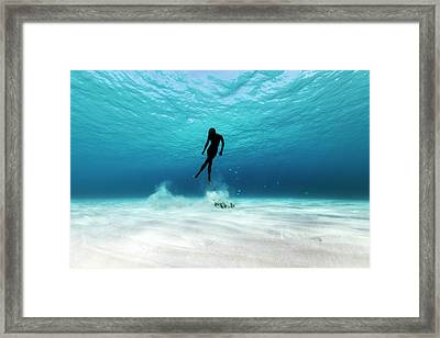 160705-1880 Framed Print by 27mm