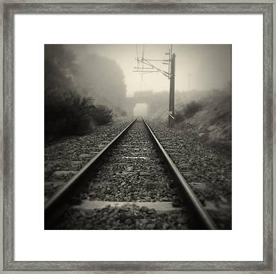 Railway Tracks Framed Print by Les Cunliffe
