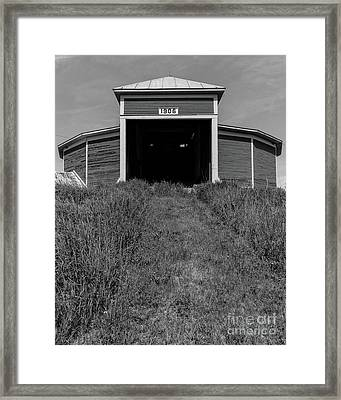 1906 Round Barn Black And White Framed Print