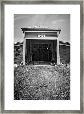 1906 Round Barn New Hampshire Framed Print