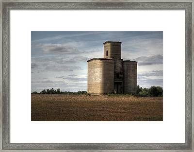 1915 Silo Framed Print by Fred Lassmann