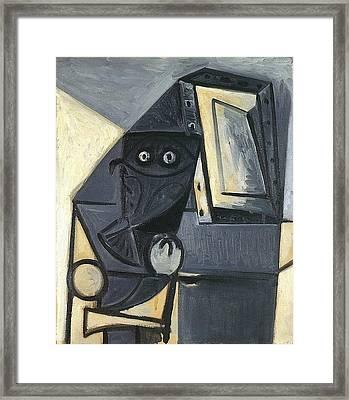 1947 Hibou Sur Une Chaise 2 Framed Print
