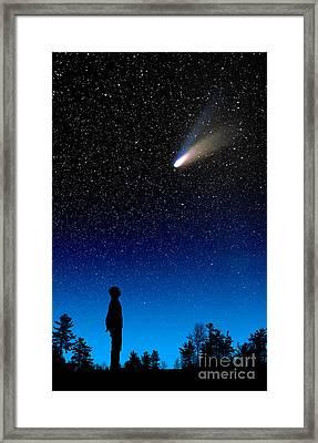 Comet Hale-bopp Framed Print by Larry Landolfi