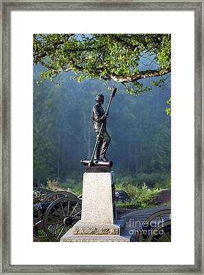 Devil's Den Monument At Gettysburg Framed Print by John Greim