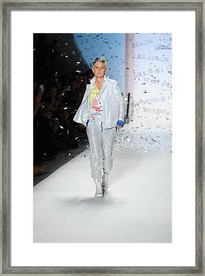 Ellen Degeneres In Attendance Framed Print by Everett