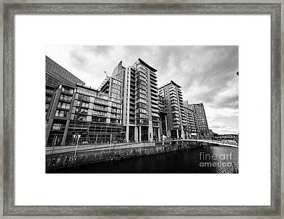 The River Irwell Between Spinningfields And Salford Manchester England Uk Framed Print by Joe Fox