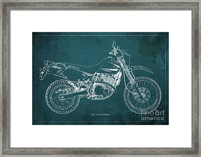 2012 Suzuki Dr650se Motorcycle Blueprint Green Background Awesome Gift For Men Framed Print