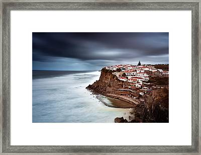 Framed Print featuring the photograph Upcoming Storm by Jorge Maia
