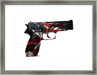 Usa Gun  Framed Print by Les Cunliffe