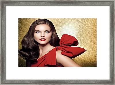 Hilary Rhoda Framed Print