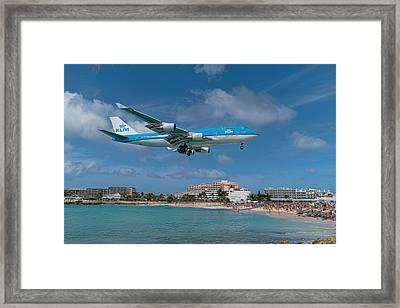 K L M Landing At St. Maarten Framed Print by David Gleeson