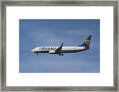 Ryanair Boeing 737-8as  Framed Print