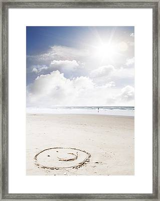 Happiness Framed Print by Les Cunliffe