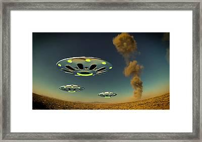 Alien Invasion By Raphael Terra Framed Print by Raphael Terra