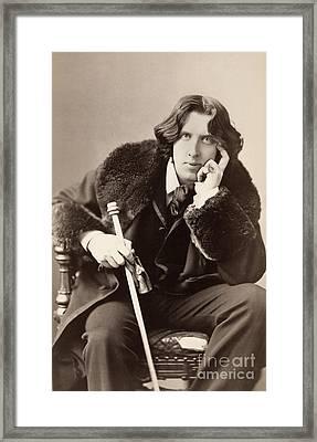 Oscar Wilde (1854-1900) Framed Print by Granger