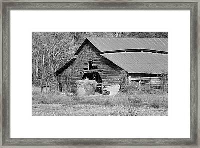 A Barn In Georgia Framed Print