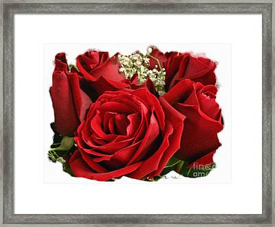 A Bouquet Of Red Roses Framed Print by Sue Melvin