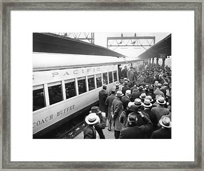 A Crowd Watches President Franklin Framed Print