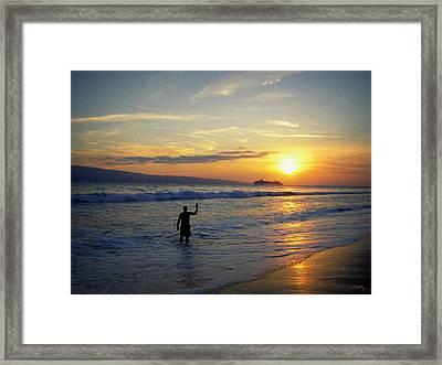 A Fond Farewell Framed Print by Glenn McCarthy Art and Photography