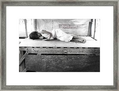 A Hard Life Framed Print by Jez C Self