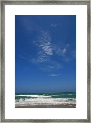 A Hot Afternoon At The Beach Framed Print by Susanne Van Hulst