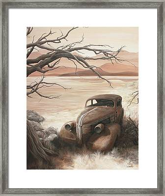 A Lakeshore Drive Framed Print by Janice Smith