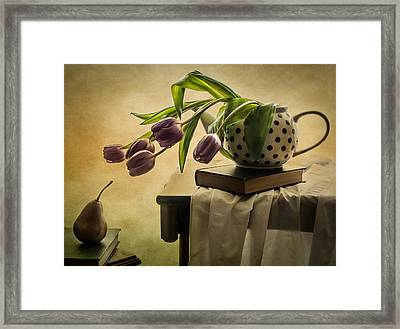 A Mutual Curiosity Framed Print by Maggie Terlecki