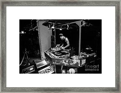 A Spray Painter Working In Las Vegas Framed Print by RicardMN Photography